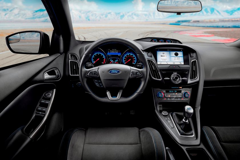 Ford Focus Rs Hp >> 2018 Ford Focus Rs Review Trims Specs And Price Carbuzz