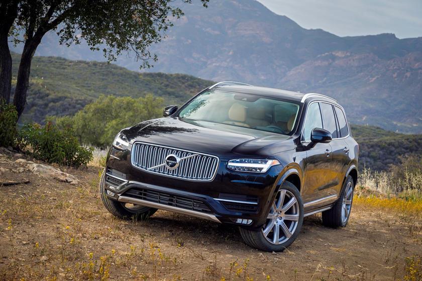 2019 Volvo XC90: Changes, Specs, Price >> 2018 Volvo Xc90 Hybrid Review Trims Specs And Price Carbuzz