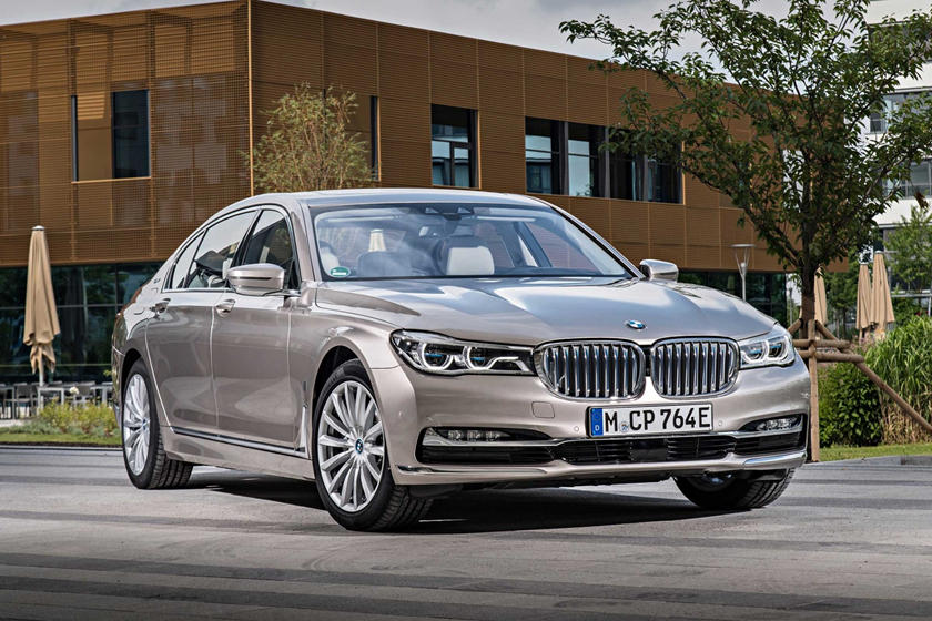 2019 Bmw 7 Series Hybrid Review Trims Specs And Price Carbuzz