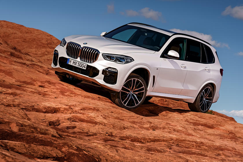 2019 bmw x5 front angle view