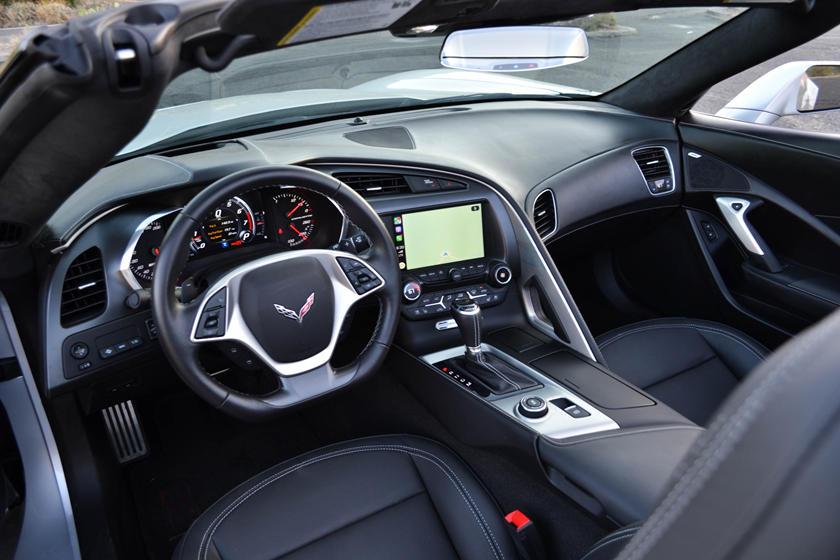 2019 chevrolet corvette grand sport convertible central console