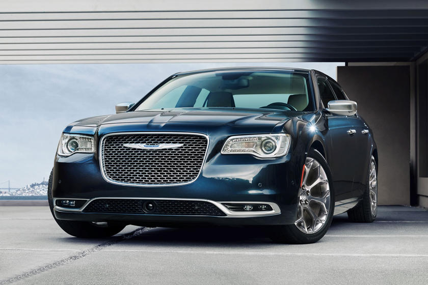 2019 Chrysler 300 Review Trims Specs And Price Carbuzz