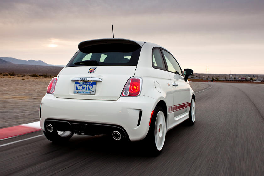 Fiat 500 Abarth 0-60 >> 2019 Fiat 500 Abarth Review Trims Specs And Price Carbuzz