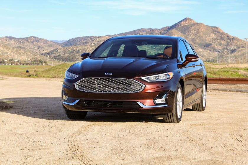 2019 Ford Fusion Energi Review Trims Specs And Price Carbuzz