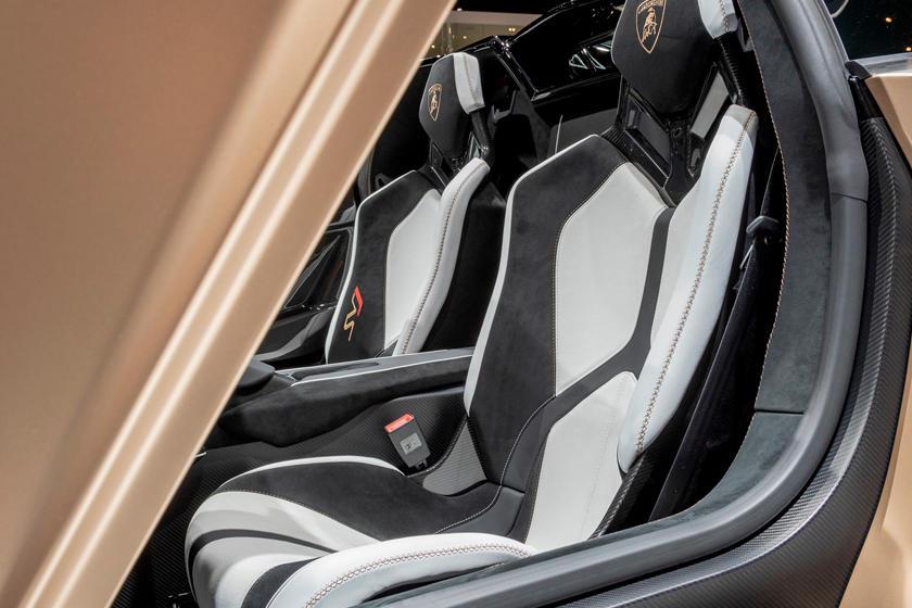 2019 Lamborghini Aventador SVJ Roadster Interior Photos