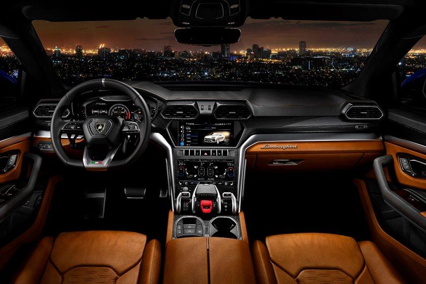 2019 Lamborghini Urus: Design, Engine, Price >> 2019 Lamborghini Urus Review Trims Specs And Price Carbuzz