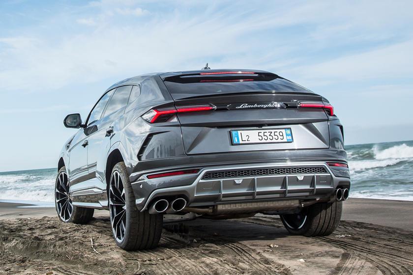 2019 Lamborghini Urus Review, Trims, Specs and Price | CarBuzz