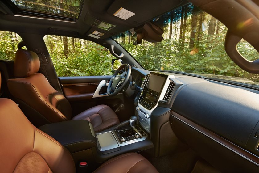 2019 Toyota Land Cruiser Review, Trims, Specs and Price