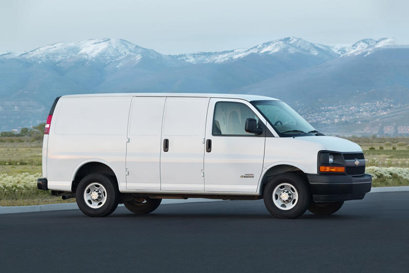 Chevy Express Van >> 2020 Chevrolet Express Cargo Van Review Trims Specs And
