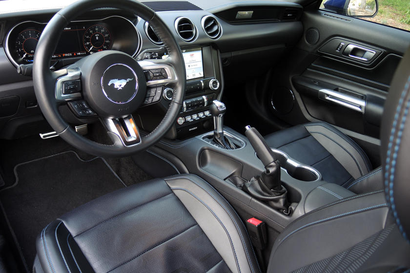 ford mustang gt coupe interior  carbuzz