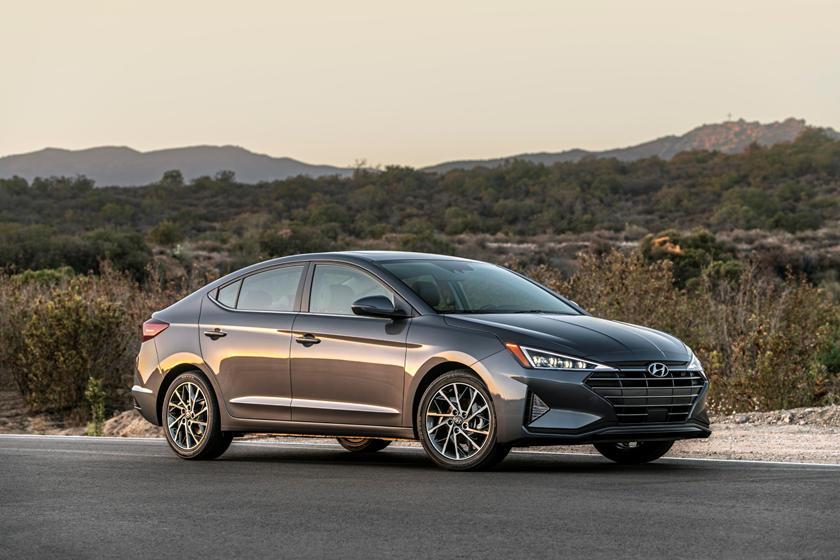 2020 Hyundai Elantra Review Trims Specs And Price Carbuzz