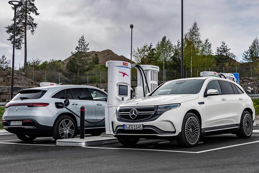 2020 Mercedes EQC: Design, Specs, Mileage, Arrival >> 2020 Mercedes Benz Eqc Review Trims Specs And Price Carbuzz