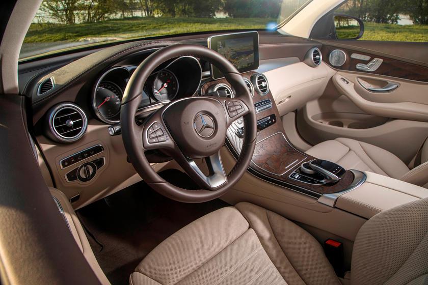 2020 Mercedes Benz Glc Class Plug In Hybrid Interior Photos Carbuzz