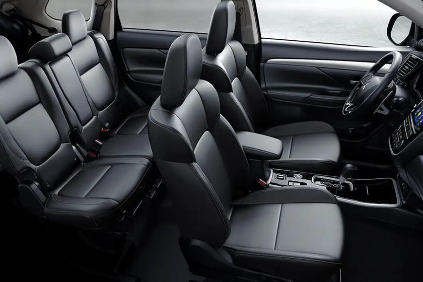 2020 mitsubishi outlander interior photos | carbuzz