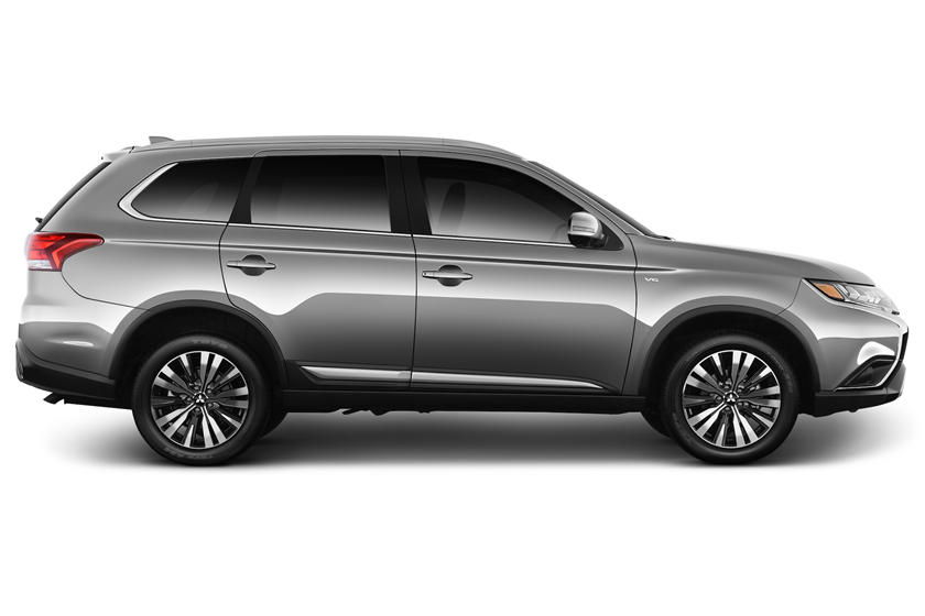2020 Mitsubishi Outlander Review Trims Specs Price New Interior Features Exterior Design And Specifications Carbuzz