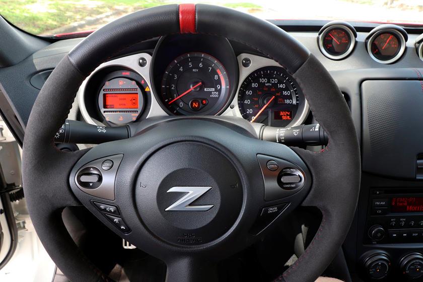 2020 nissan 370z coupe interior photos carbuzz 2020 nissan 370z coupe interior photos