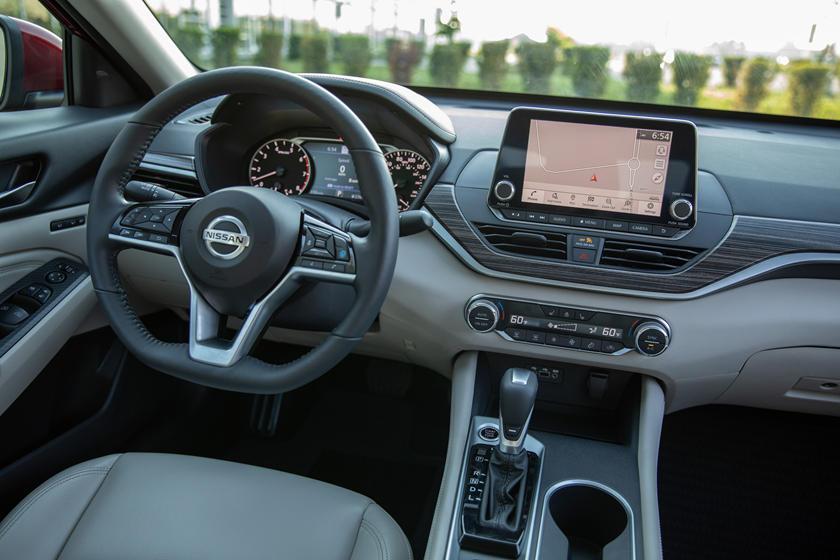 altima nissan dashboard interior edition vs pilihan warna carbuzz exterior cars thecarhp camry compare toyota confort lujo diluncurkan punya tiga
