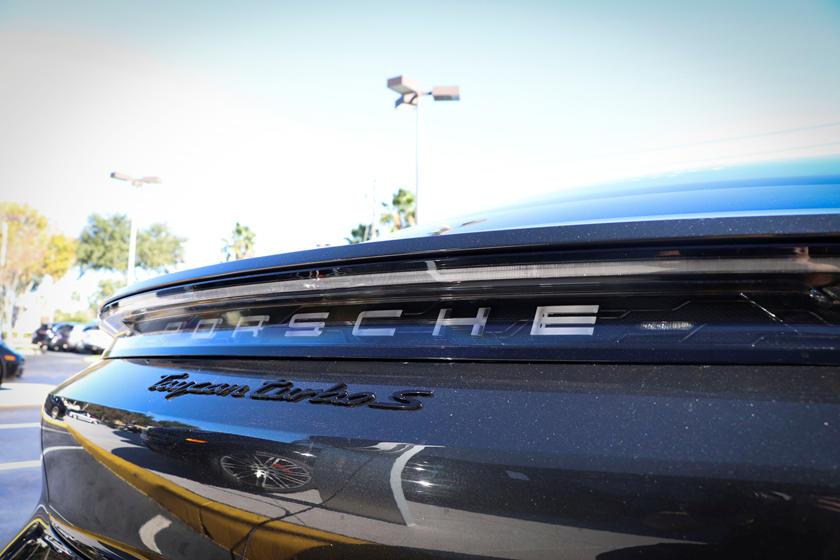 2020-porsche-taycan-turbo-carbuzz-679479.jpg