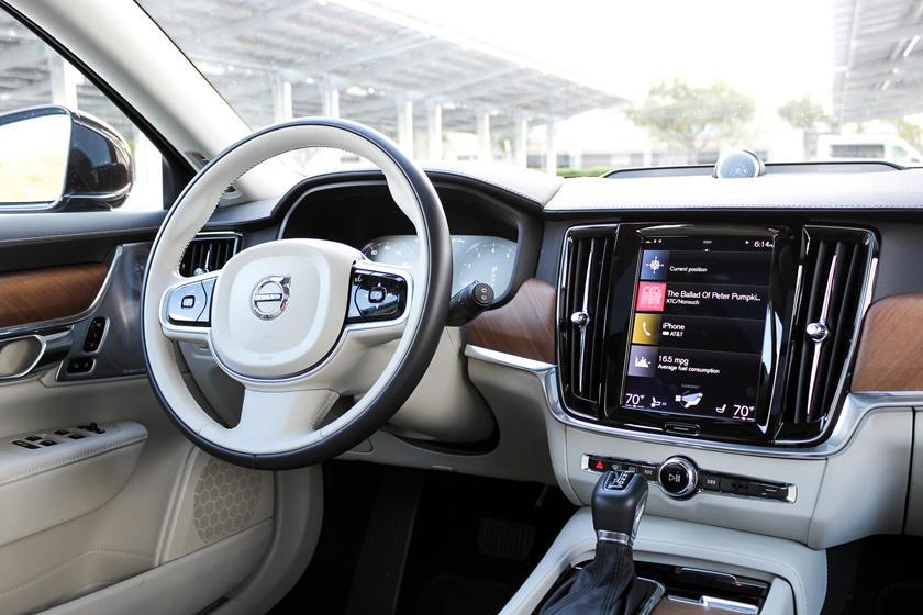 2020 Volvo V90 Infotainment System