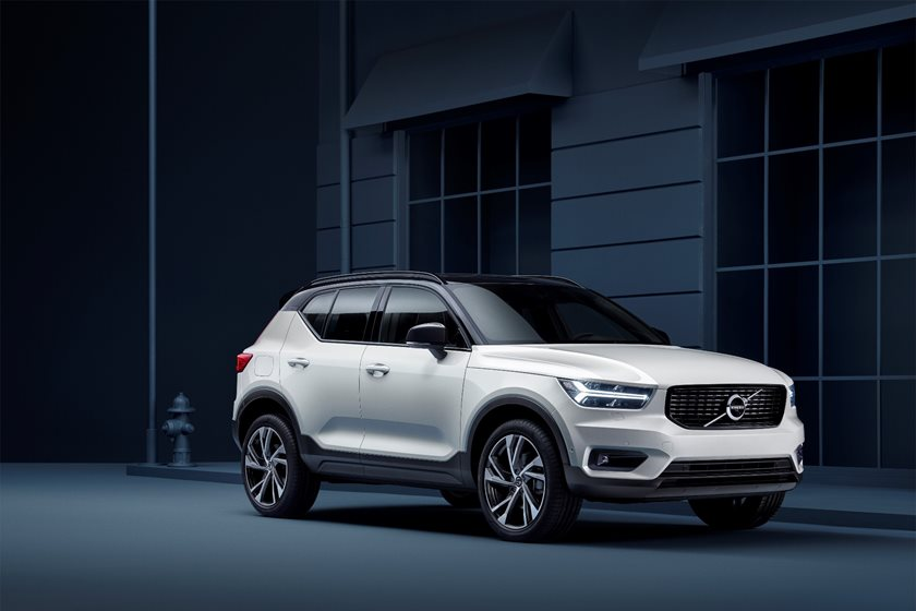 2020 Volvo XC40: News, New Options, Specs, Price >> 2020 Volvo Xc40 Review Trims Specs And Price Carbuzz