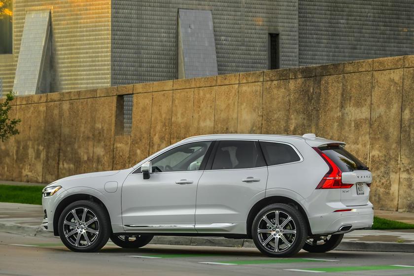 2020 volvo xc60 hybrid exterior photos | carbuzz