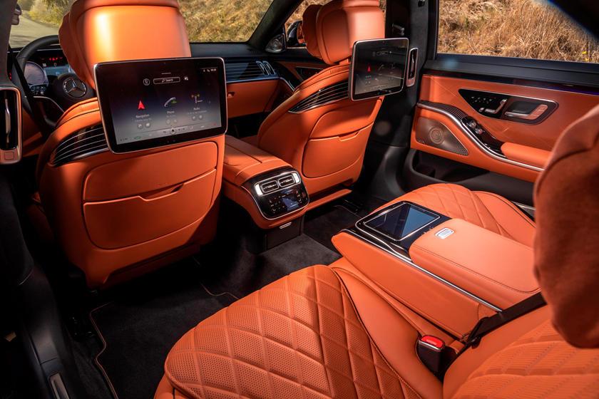 2021-mercedes-benz-s-class-sedan-carbuzz-862300.jpg