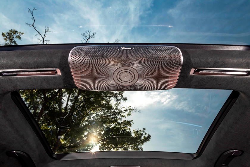2021-mercedes-benz-s-class-sedan-carbuzz-862302.jpg