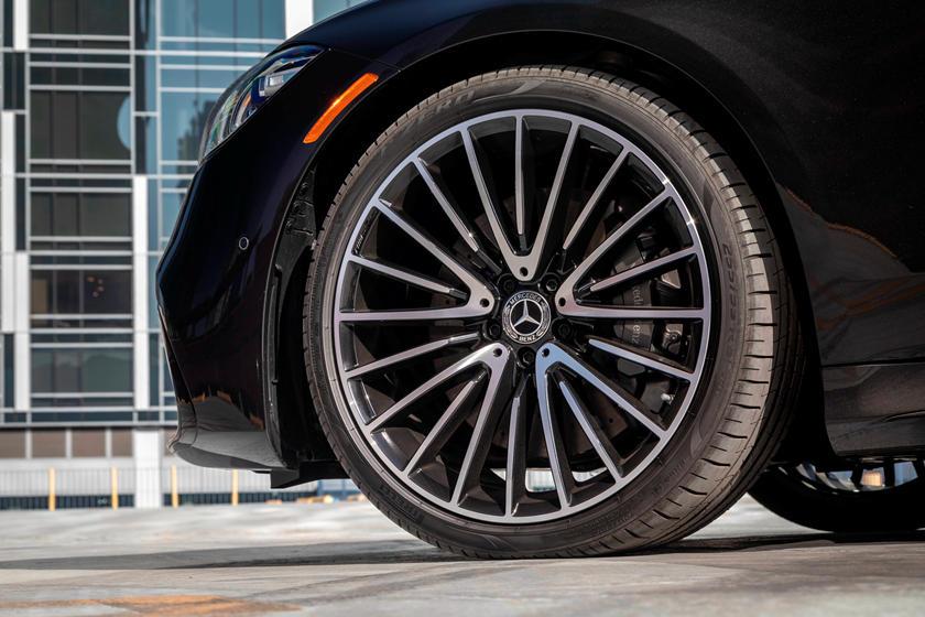 2021-mercedes-benz-s-class-sedan-carbuzz-862310.jpg