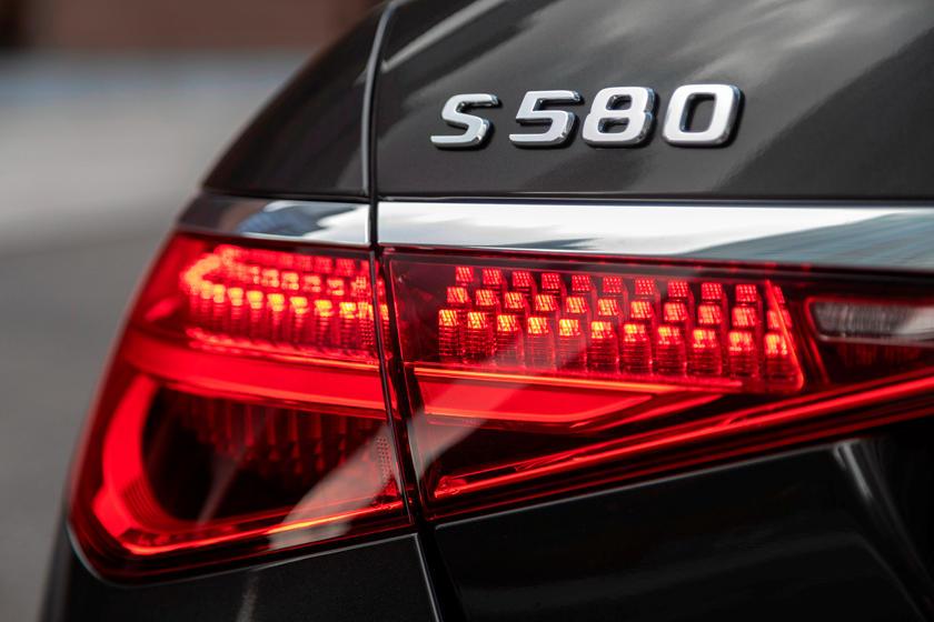 2021-mercedes-benz-s-class-sedan-carbuzz-862312.jpg