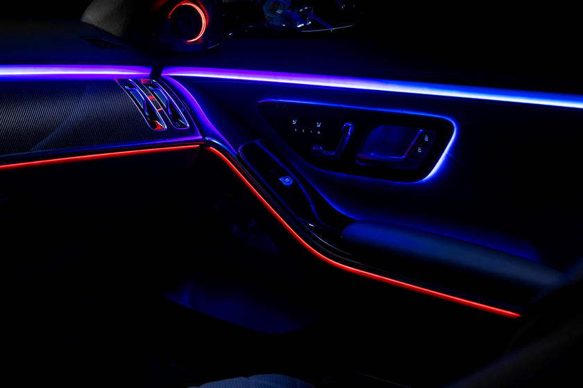 2021-mercedes-benz-s-class-sedan-carbuzz-862320.jpg