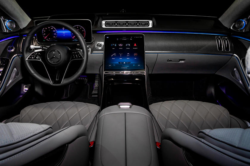 2021-mercedes-benz-s-class-sedan-carbuzz-862327.jpg