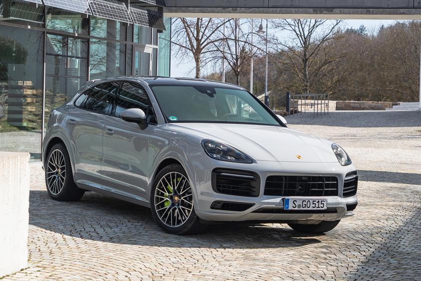 Porsche Cayenne Hybrid 2021