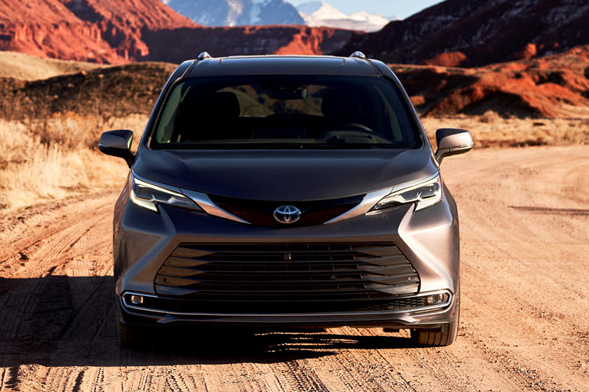2021 toyota sienna review trims specs price new interior features exterior design and specifications carbuzz 2021 toyota sienna review trims
