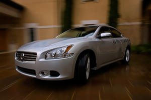 Maxima and Sentra Receive 2011 Prices and Minor Changes
