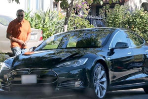 Laurence Fishburne to Tesla Model S: You Are the One