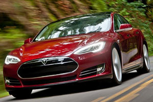 Model S Receives Complaint for Unintended Acceleration