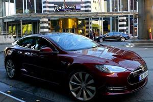 Elon Musk Fires Back Re: Model S Fire