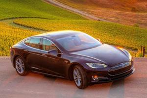 Hydrogen Fuel Cell Cars are 'So Bullshit' Proclaims Elon Musk