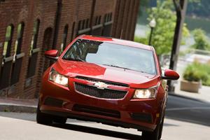 Official: 2012 Chevrolet Cruze Becomes More Fuel Efficient
