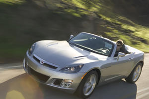 GM Attempts To Please Saturn And Pontiac Owners
