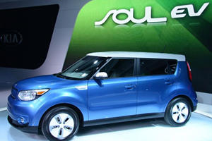 Kia Soul EV Creates Electric Storm in the Windy City