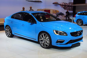 Volvo S60 and V60 Polestar Revealed in the Metal and on the Move