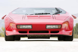 Rare 1992 Vector W8 Going Under the Hammer