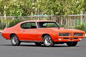 Which Pontiac GTO is Better: 1969 Vs. 2006?