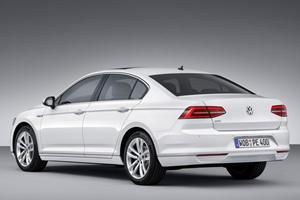 Euro-Spec Volkswagen Passat GTE Gets 141 MPG