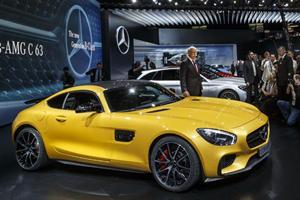Mercedes-AMG GT Breaks Cover in Paris