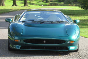 1994 Jaguar XJ220 Owned by Brunei Royal Family Heads to Silverstone Auction