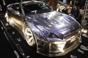 KUHL Racing Arrives In Tokyo With Nissan GT-R Sporting Ultimate Engraving Metal Paint Job