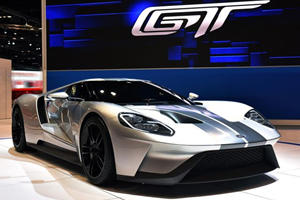 Ford GT Arrives In Chicago Wearing Swanky New Silver Suit