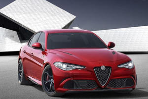 Here's What It's Like To Chase The 510-HP Alfa Romeo Giulia QV Around The Nurburgring